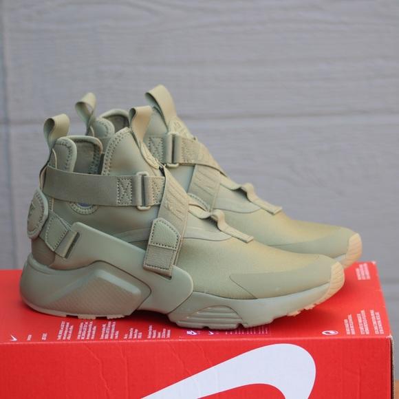 Nike Shoes   Womens Nike Air Huarache
